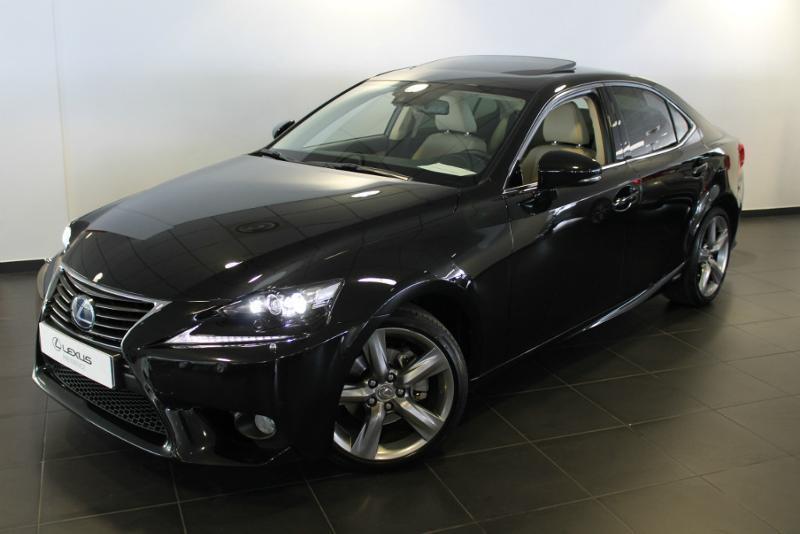 Lexus samochód osobowy w leasingu