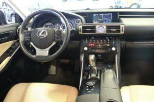 Lexus z Francji
